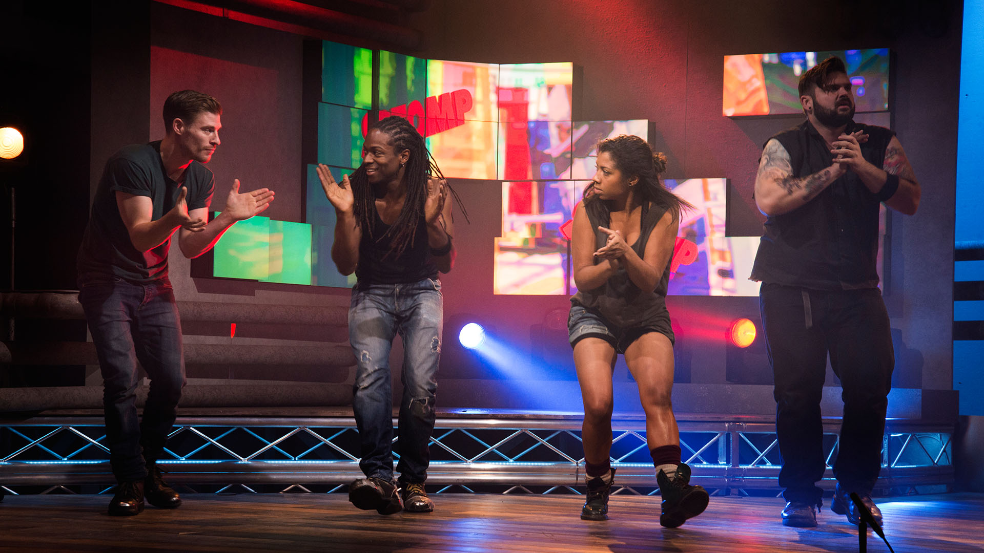 Stomp (Rob Shaw, Nigel Clarke, Serena morgan, Andy Patrick) perform Hands and Feet on tv show #celapossofare