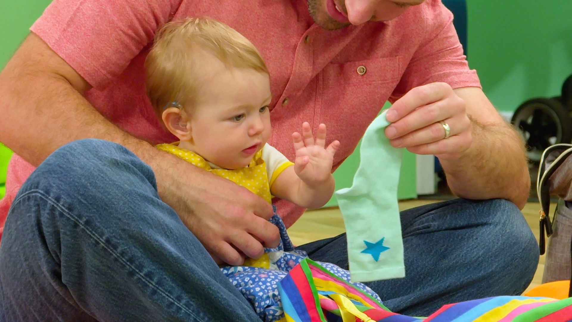Nigel's Baby Club Diaries - Playing with Socks - Good Parenting Tips